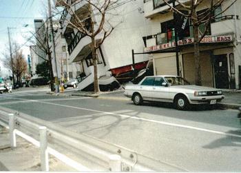 1階柱の破断-1.jpg