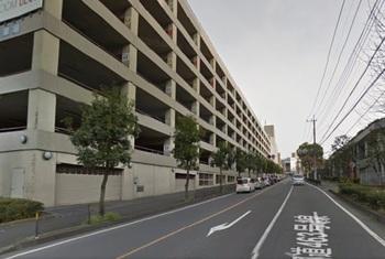 とあるデパートの駐車場.jpg